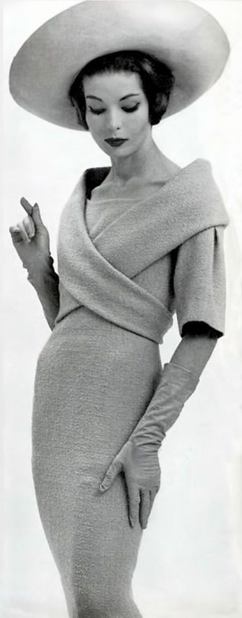Pleats in fashion fabric manipulation Pierre Cardin